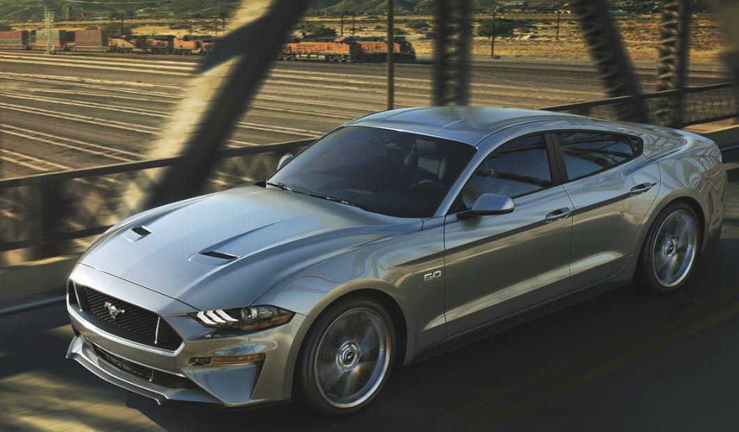 Ford Mustang Concept 4 puertas